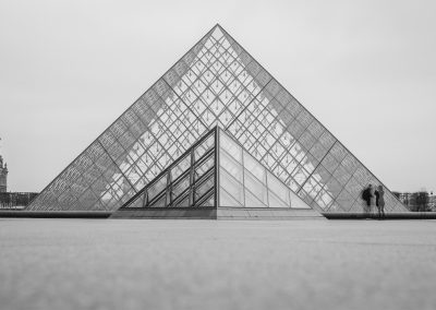 Louvre-noir et blanc-Guillaume MOULIN